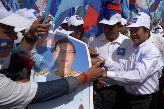 Hun Sen orders Cambodian rights group shut