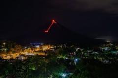 Thousands flee as Philippine volcano threatens to erupt