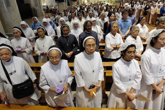 Priests, nuns told to seek out people in unjust situations