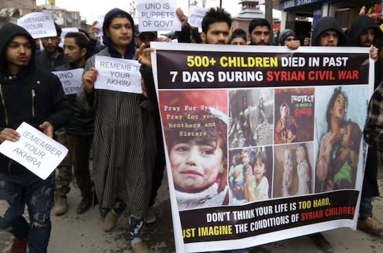 Kashmiri Muslims protest violence in Syria