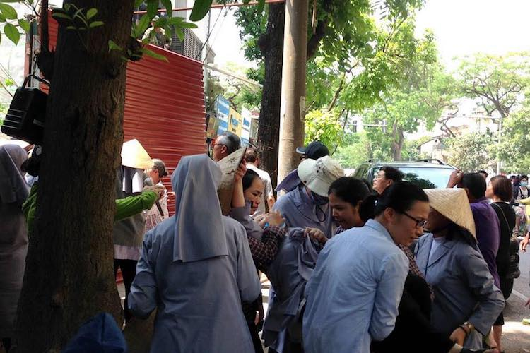Nun beaten unconscious by Vietnamese gangsters