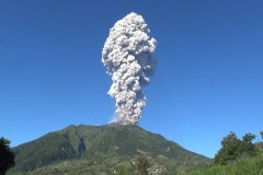 Caritas distributes aid as Indonesian volcano erupts