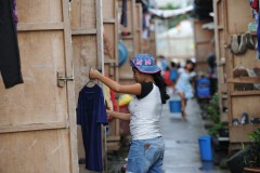 Typhoon Haiyan victims pick up pieces with church help