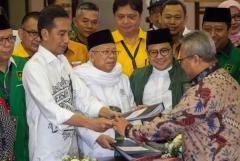Widodo silences Muslim critics with new running mate