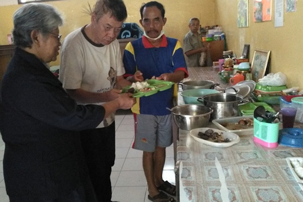 Indonesian Muslims find comfort in nuns' home for elderly