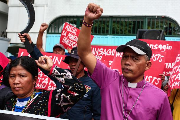 Filipino Protestant prelate leads anti-martial law protest