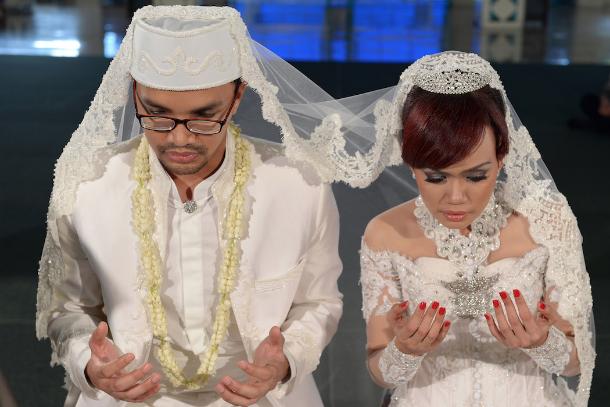 No HIV test, no marriage license, Jakarta tells couples
