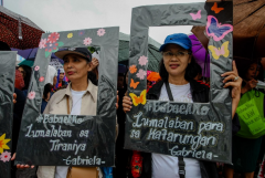 Women vow to make stand against Duterte