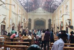Churches, hotels hit by bomb attacks in Sri Lanka