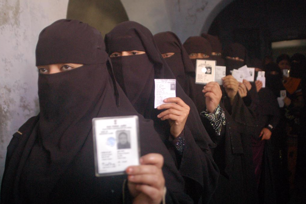Muslim group's burqa ban rakes up controversy in India