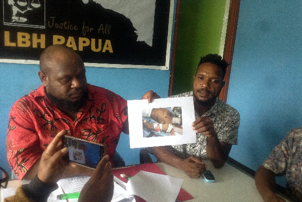 Probe call over Papuan deaths