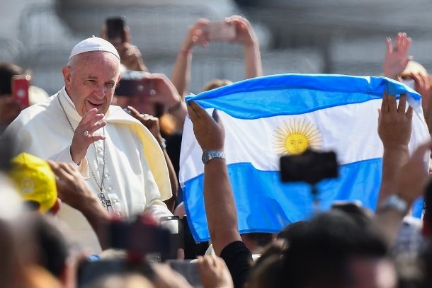 Pope highlights inequality as threat to democracy