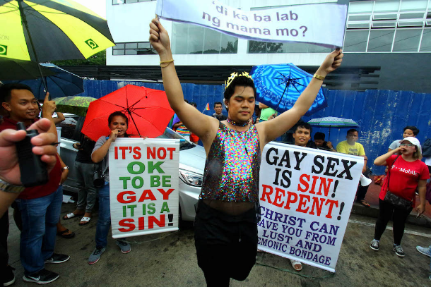 Anti-gay Christian groups protest Filipino Gay Pride
