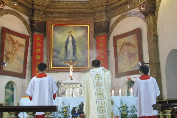 Fewer altar boys: Another concern for China's Catholics