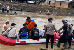 Widodo blames illegal mining for deadly Indonesian floods