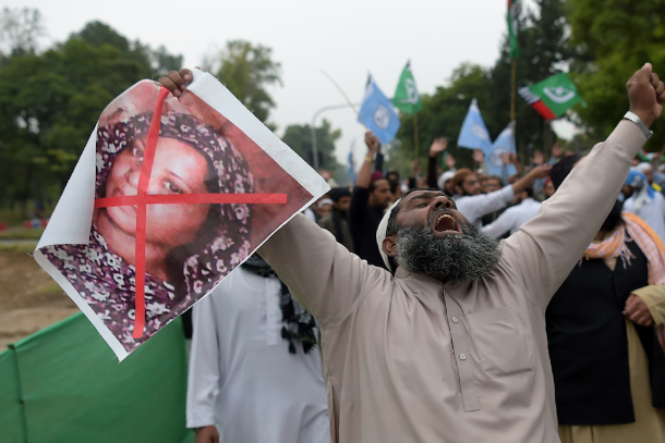 Asia Bibi: My life as a prisoner of fanaticism
