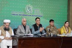 Pakistan's mosques remain open despite Covid-19 surge