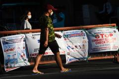 'Desperate' Duterte extends Luzon lockdown