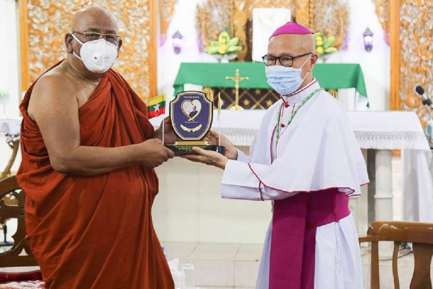 Myanmar's top monk donates to pope's Covid-19 fund