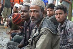 Indonesia urged to take in Rohingya refugees