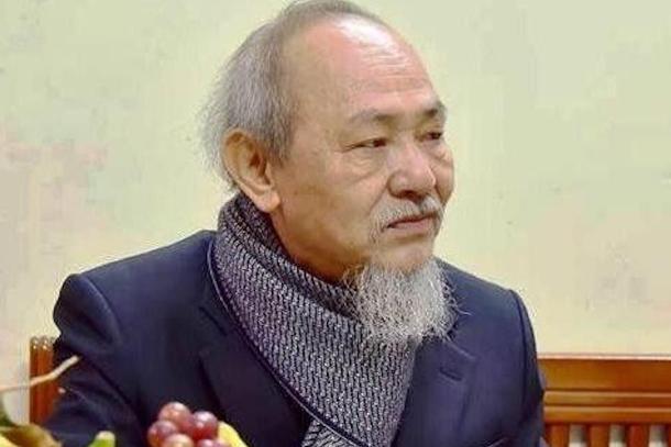 Vietnam arrests prominent dissident writer