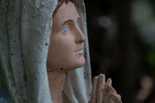 Pontifical move to fight mafia using Mary's name, image