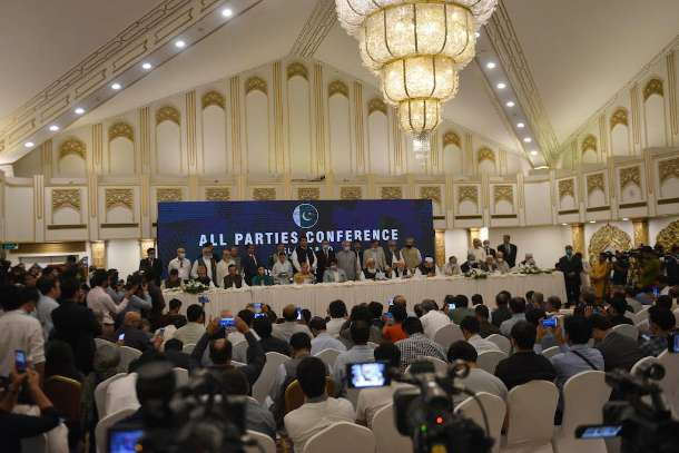 Attempt to muzzle media sparks anger in Pakistan