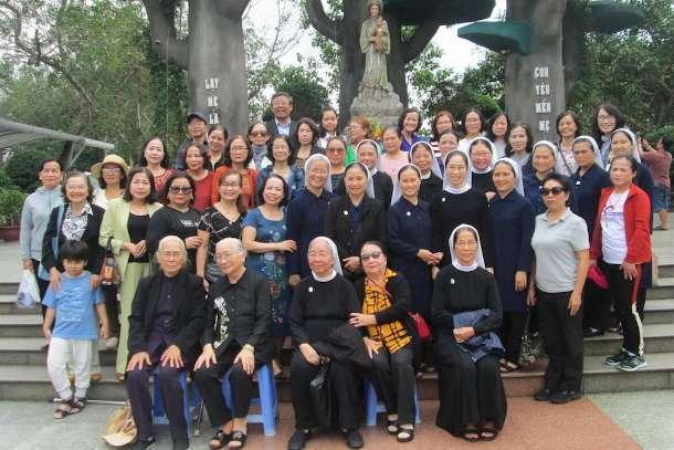 Vietnam scholarship group marks 20th anniversary