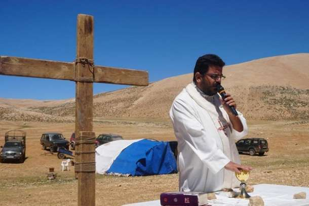 'Now we are in hell,' says priest who offers hope to destitute Lebanese