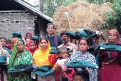 Church groups offer warm clothes to Bangladeshi poor