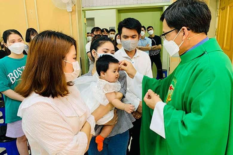 Korean Catholics unfazed by Covid-19 income loss