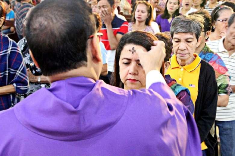 Philippine bishops issue Ash Wednesday protocols