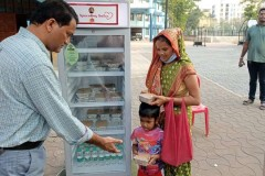 Indian Salesians feed the poor and destitute
