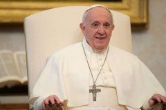 World must realize common humanity or fall apart, pope says