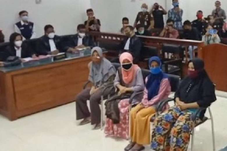 Families in Indonesian rock-throwing case seek protection