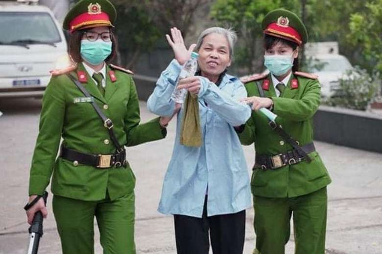 Vietnam upholds farmers' death penalty over land clash
