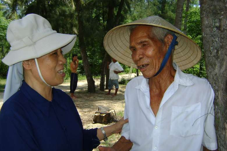 Vietnamese nuns help lepers displaced by seaside project
