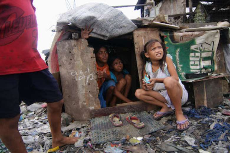 The Philippines' throwaway street children