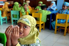 Indonesian court overturns school ban on forced religious attire