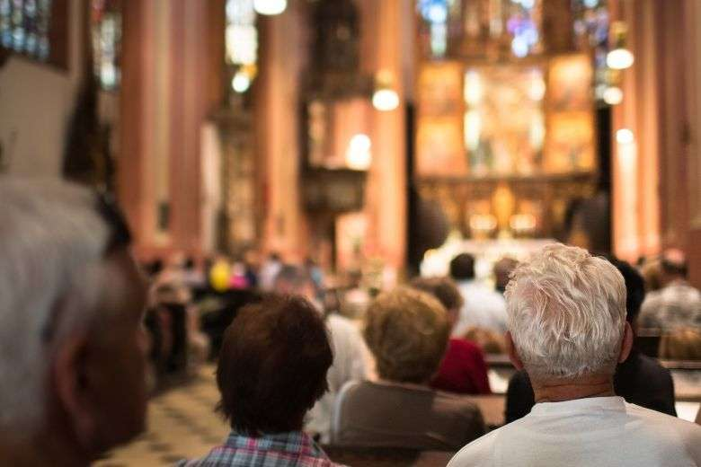 US bishops encourage Catholics to return to in-person Mass