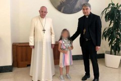 Pope condemns Mafia after meeting victim of Italian shootout