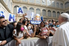 Self-righteous disturb Christian community, pope says