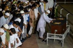 Pulitzer-winning news photographer buried in India