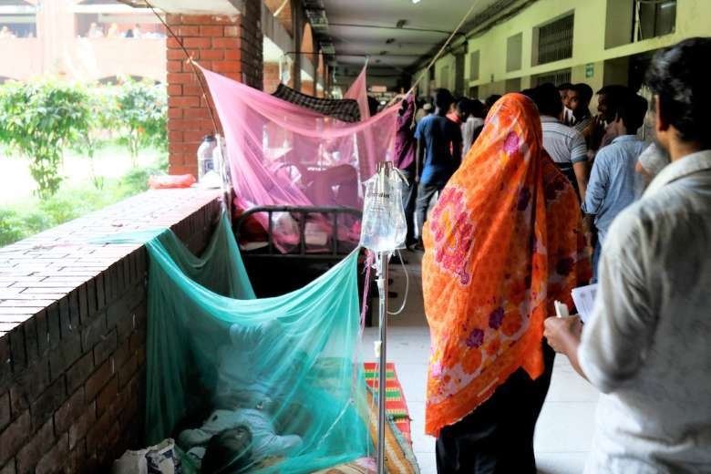 Catholics donate blood to dengue patients in Bangladesh