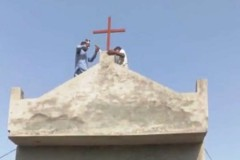 Mob rule at new church angers Pakistani Christians