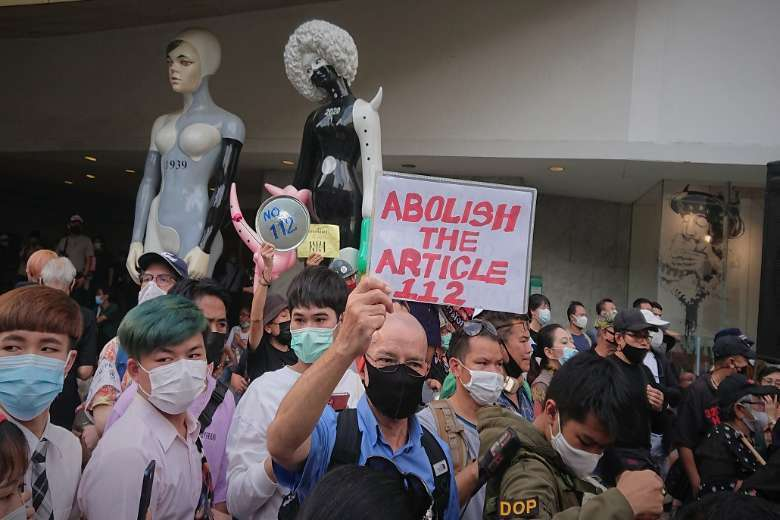 Young Thais resort to desperate measures to protest unjust law