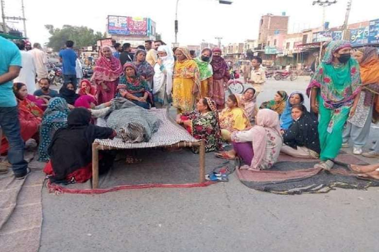 Sanitary workers on 'suicide mission' in Pakistan