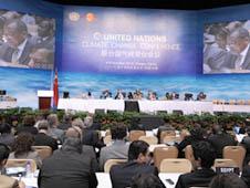 Các đại biểu của Hội nghị Biến đổi khí hậu của Liên Hiệp Quốc họp tại Thiên Tân